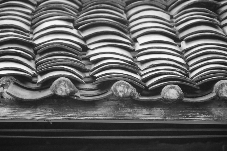 Chine Traditionnelle, Nanning #China #nanning #roof #tiles #bandw #black #white