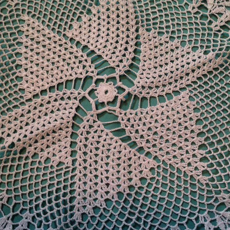 #crochet#crafts#ganchillo#crochetlove#c#virkning#häkeln#grannysquarestitch#grannysquareblanket#crochetgeek#crochetaddict#yarn#örtü#örgü#yün#iplik#dantel#plaid#elişi#tığişi#laine#tricot#emek#couleur#tapetecroche#örmek#örnek#virkat#stitch#milieu http://www.butimag.com/iplik/post/1467435222592606573_302326189/?code=BRdYI9lh1Ft