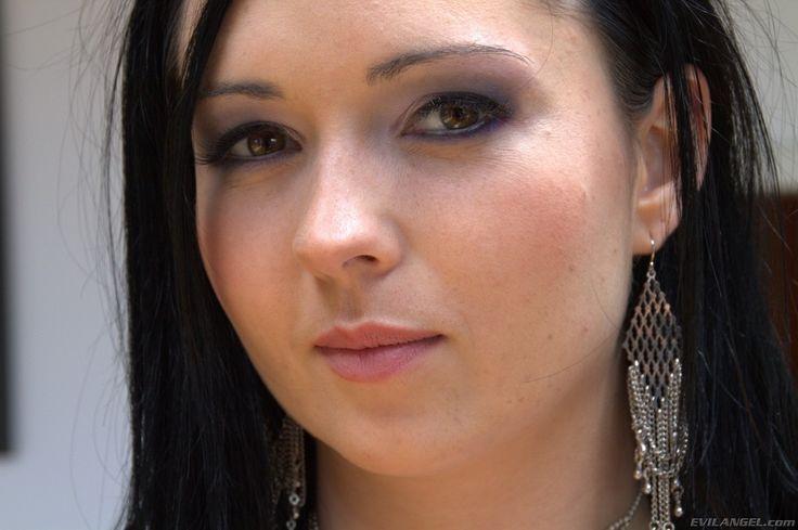 Енжел фото актрис евил