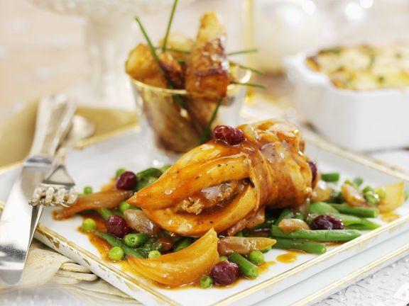 Hühnchen mit Speck umwickelt und Portweinsoße ist ein Rezept mit frischen Zutaten aus der Kategorie Hähnchen. Probieren Sie dieses und weitere Rezepte von EAT SMARTER!