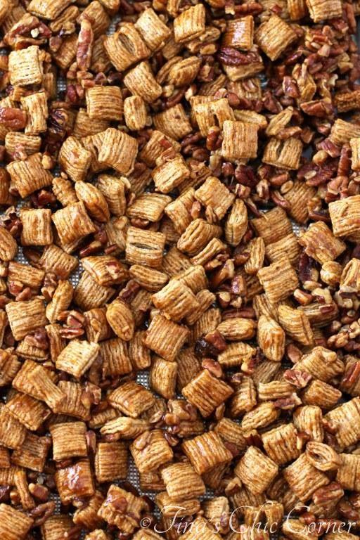 Praline Pecan Crunch Snack Mix (super easy!) - tinaschic.com