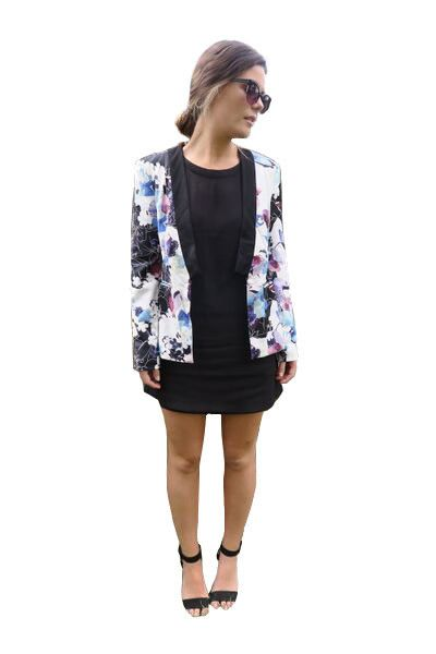 MARLOWE FLORAL BLAZER JACKET STYLE DETAILS:  Floral multi-colour jacket Black sleeves Flattering fit around waist  FIT DETAILS:  Comfortable fabric Lightweight Standard Australian sizing  STYLING:  This floral jacket is a perfect overlay over a plain t-shirt or fancy dress.