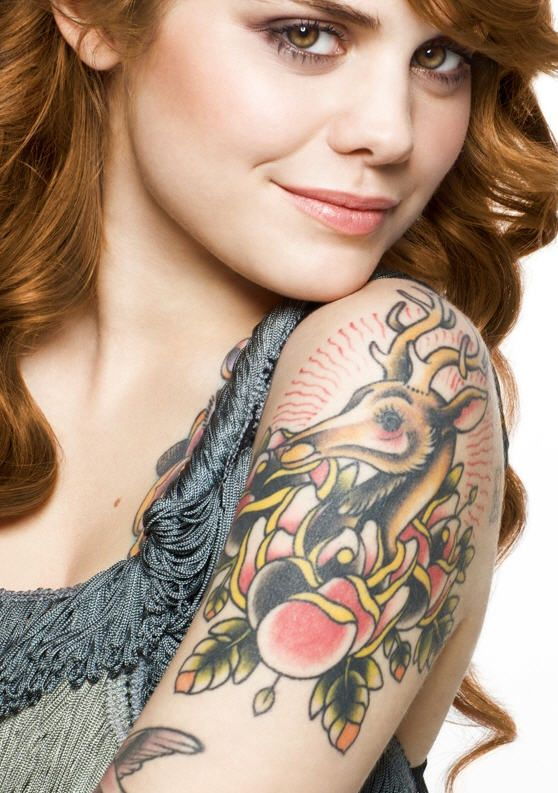 coeur de pirate tatouage canadian singer coeur de. Black Bedroom Furniture Sets. Home Design Ideas