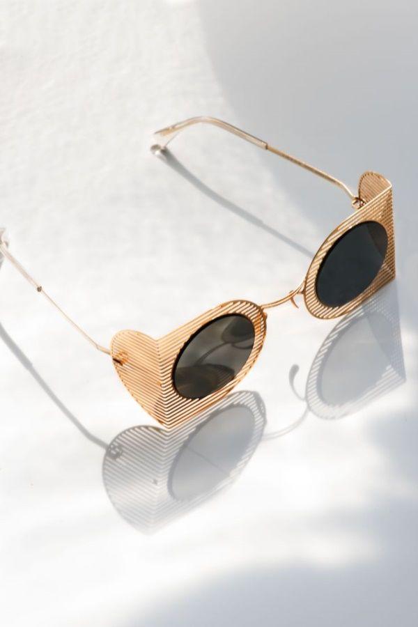 e15505e576 40 (Easy to Cut) DIY Paper Glass Craft Ideas  art  diy  paper  glasses   easydiy