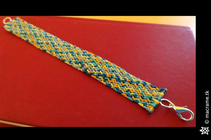Macrame zig zag bracelet  Bracciale zig zag in macrame