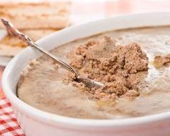 Pâté de foies de volaille (facile, rapide) - Une recette CuisineAZ
