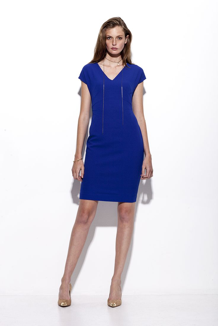 Bogelund-Jensen´s SS15 collection: The dart dress in one of the many colours. A starshaped hand of darts in the waist