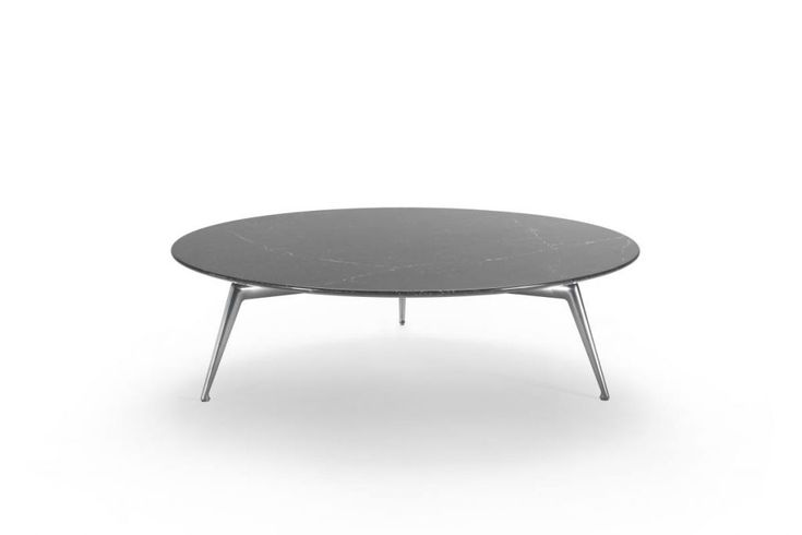 Flexform, an Italian company who produces furniture complements since 1959, presented the Este coffee tables at the Milan Design Week 2017, recognisable by their extreme elegance and modernity. This coffee table, like the sofa of the same name, was designed by Antonio Citterio, an Italian designer and architect worldwide known for his collaborations with the best international brands. The Este table is characterized by an apparent lightness, which makes it particularly suitable for a…