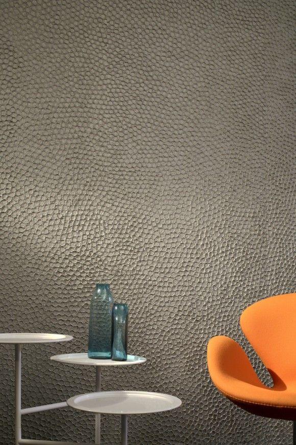 Textured wall-