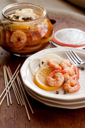 #food #sides #apps #weird: Chee Parties, Tasti Recipes, Boiled Shrimp, Food Side, Food Photography, Parties Recipes, Pickled Shrimp, Food Drinks, Slices Lemon