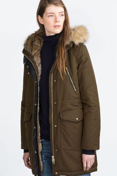Manteau femme, automne-hiver 2015-2016. Anorak doublé de fausse fourrure, Zara, 99,95 euros.