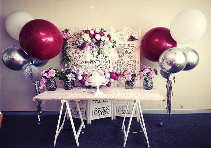 Had to share these beautiful bouquets and the bespoke hoop we created for our favourite #ladies @tcindy #chickybabes #bespokeballoons #silver #burgundy #tassels #balloonhoop #surpriseparty #celebrate #caketable #balloonbouquet #quirkyballoons #creatingmemories #anniversary #shabbychic