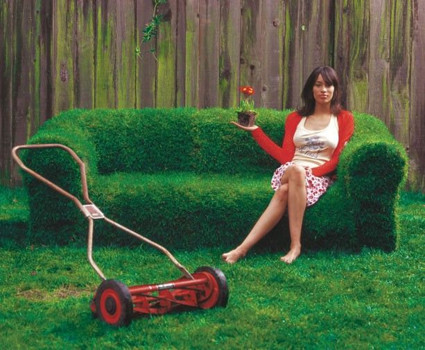 grass sofa: Diy Ideas, Backyard Ideas, Lawn Furniture, Lawn Mower, Couch, Grass, Sprouts, Gardens, Sofas