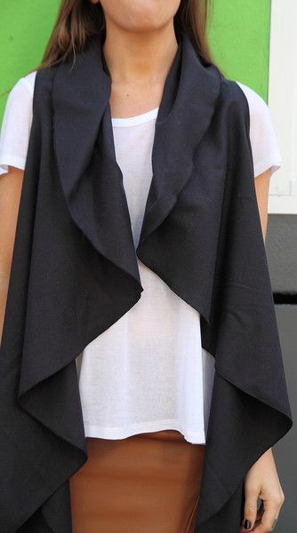 Navy Luxe   fabulous capes from ARI PALOMA  #capes #wintercapes #sleevelesscapes #coverup #flowy #fashion