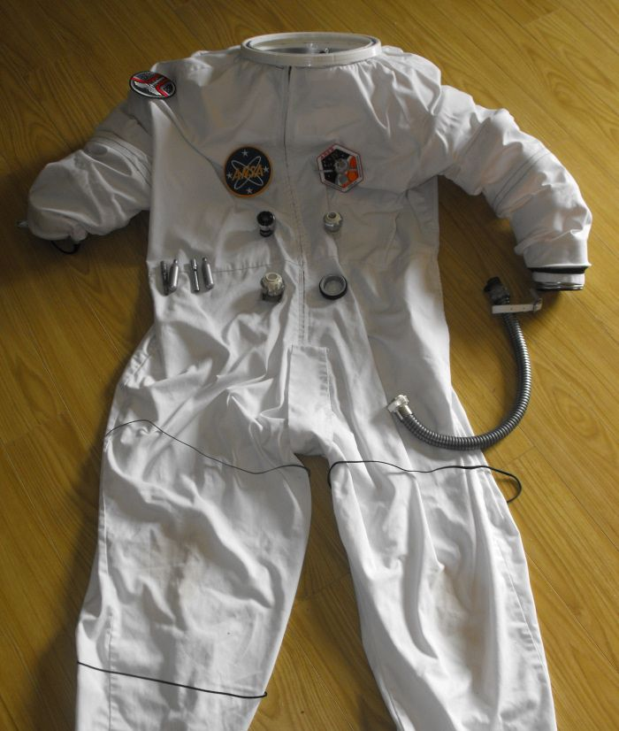 make an astronaut costume - photo #10