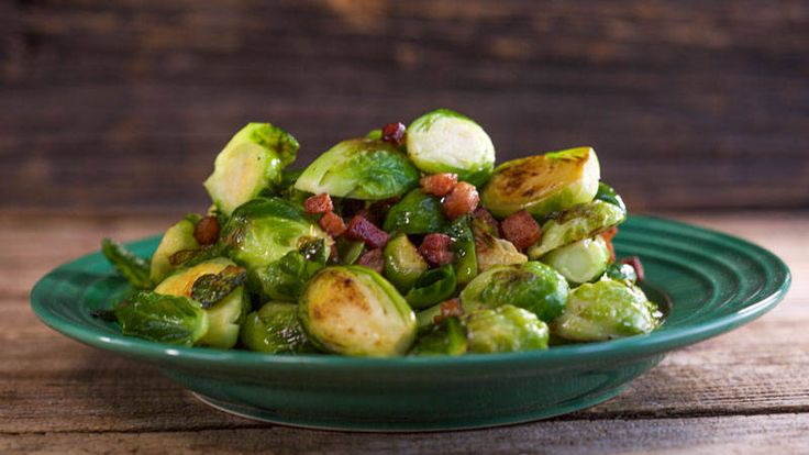 Marc Murphy's Brussels Sprouts with Bacon Recipe.  Easy, simple, 4 ingredients.  I want to try this!