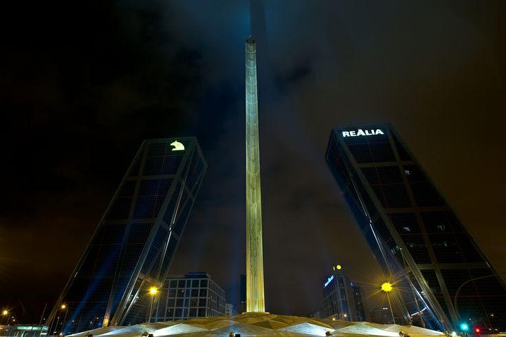 Foto Torres KIO y el Obelisco de Madrid en Madrid