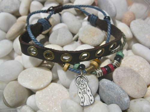 NaturalSoul protection bracelet ~ with a little charm showing the Virgin Mary with the words Cuídame
