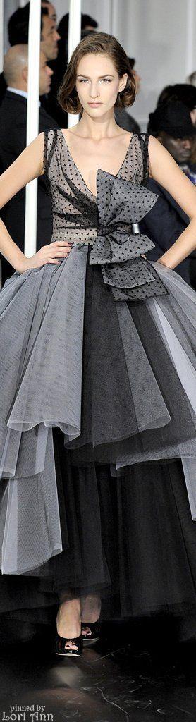 Christian Dior Couture Spring 2012 http://www.pinterest.com/pepialvarez31/de-todo-un-poco/