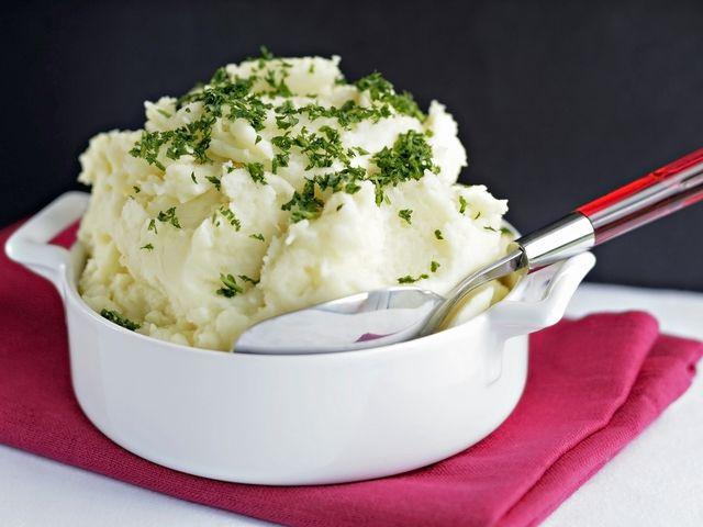 How To Make Traditional Thanksgiving Side Dishes: Mashed Potato Recipes and Tips