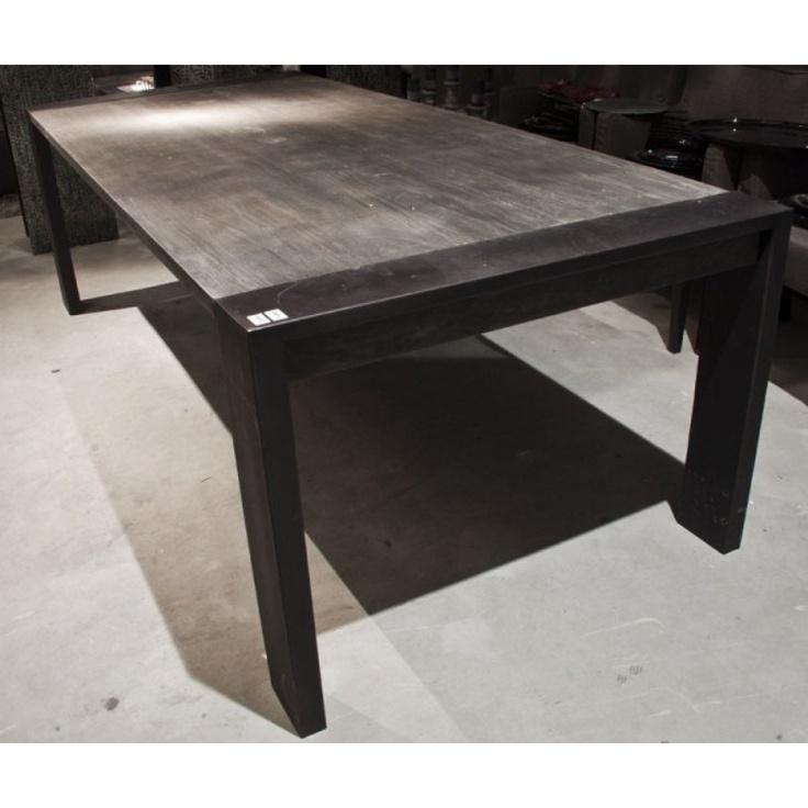 Dax eettafel l - Tafels - Meubelen - PTMD Afmetingen: 105 X 240 X 76 cm.  Kleuren: Grijs, Zwart Materiaal: massief hoogwaardig teakhout met een grijze finish en poten van gewalst staal met een mat zwarte coating. Prijs: € 1.145,-