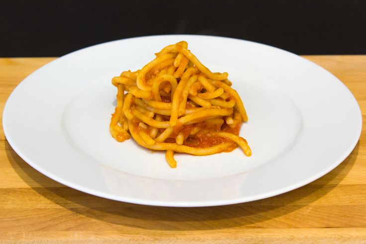 After a recent trip to Tuscany we discovered this delicious dish, Pici all'aglione, a typical Tuscany dish. Discover the #recipe on  ilsolitomenu.com #amodomio