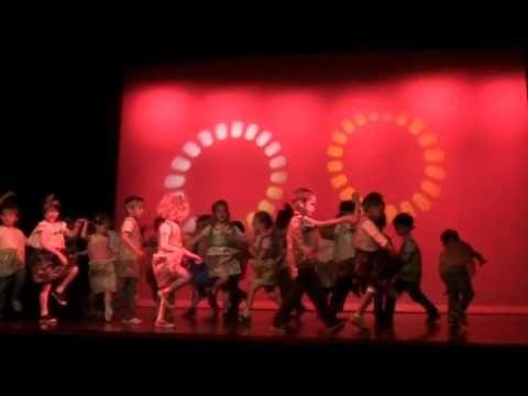 ▶ 2010 danse MS/GS n°1 - YouTube