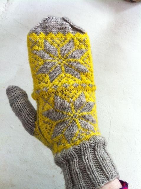fair-isle mitten-gloves    amazingknits.wordpress.com