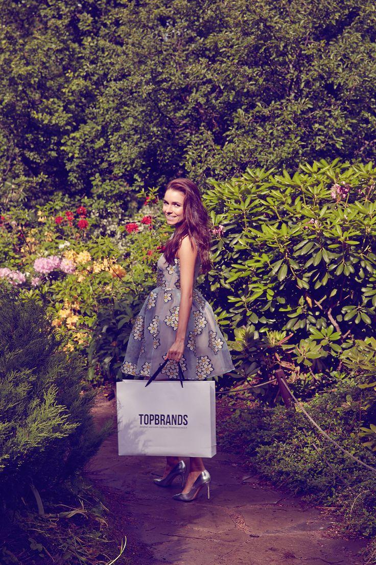 Ирена Понарошку эксклюзивно для TOPBRANDS в платье Red Valentino. #topbrands #redvalentino #иренапонарошку