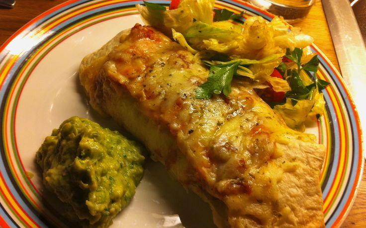 Enchiladas med bönchili | Jävligt gott - en blogg om vegetarisk mat och vegetariska recept för alla, lagad enkelt och jävligt gott.