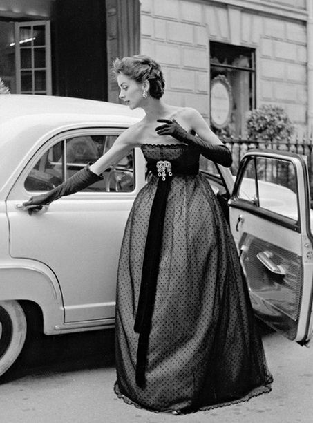 1950s vintage fashion. Couture gown Christian Dior, 1951