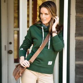 Le Kangourou Kanga en molleton Creston est idéal pour les jours plus frais. Confortable, doux et durable, il est le kangourou par excellence. Muni d'un capuchon doublé en tricot de jersey, il vous garde au chaud le soir et est indispensable pour tous les amateurs de plein air.