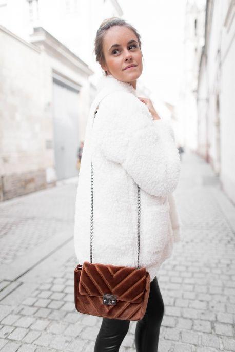 Veste EFFET MOUTON écrue  veste  mouton  écru  prettywire  mode  manteau 955ffc00b3e