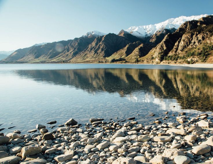 This gorgeous lake, Lake Hāwea, boasts amazing views and is in a South Island location that is perfect for hiking and exploring. If you fancy a more relaxed visit, then bring your fishing rod as the lake contains a plentiful supply of fish.