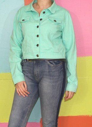À vendre sur #vintedfrance ! http://www.vinted.fr/mode-femmes/vestes-en-jean/29997676-veste-en-jeans-courte-turquoise-t40-42-musthave-demi-saison-casualrockethnique