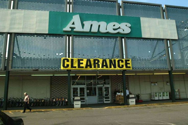 A man leaves the closing Ames store in the Troy Plaza in 2002. Photo: STEVE JACOBSS, DG / TIMES UNION