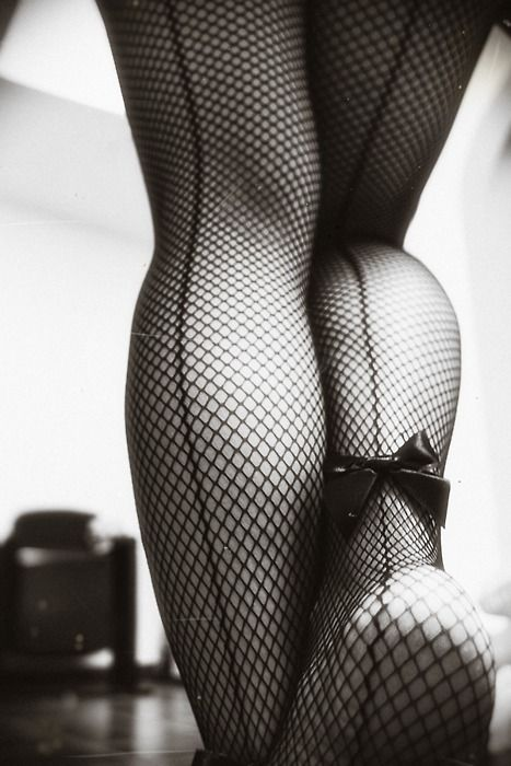 i kind of love this perspective!Fashion, Sexy, Fish Nets, Boudoir, Seam Fishnet, Legs, Bows, Fishnet Stockings, Black