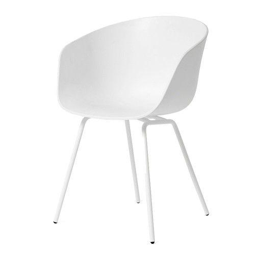 De kuip met armsteun is gemaakt van polypropyleen en verkrijgbaar in zwart en wit. Het onderstel is gemaakt van staal in dezelfde kleur als het kuipje. De AAC22 stoelen worden standaard geleverd met glijders.   Afmeting: 59 x 79 x 52 cm (bxhxd)  Zithoogte: 46 cm  Armleuning hoogte: 72 cm