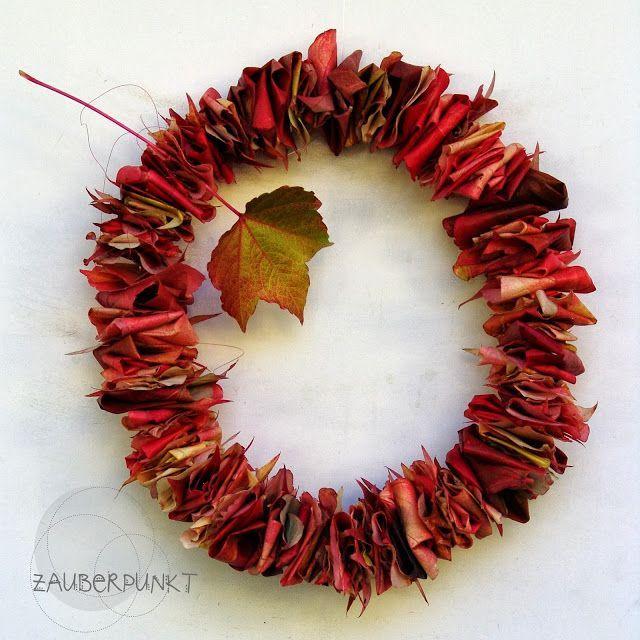 *ZAUBERPUNKT*: DIY mit Herbstblätter { Türkranz …