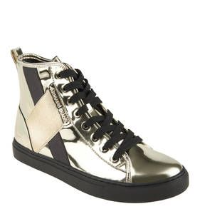 #ARMANI #JEANS #Sneaker, #High #Top, #Spiegelglanz #Optik Die extravaganten ARMANI JEANS High-Top-Sneaker für Damen bestechen mit goldener Spiegelglanzoptik. Edel wirken auch die eingearbeiteten Streifen und das ARMANI-JEANS-LOGO. Ein echter Hingucker sind diese High-Top-Sneaker von ARMANI-JEANS für Damen. Die trendigen Schuhe in goldener Spiegelglanz-Optik peppen jedes Outfit auf und geben ihm den entscheidenden Schliff. Aber die Schuhe sind nicht nur ausgefallen, sondern durch ihre…