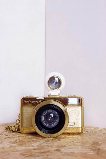 Golden Gold Fisg analogic Camera by Lomography