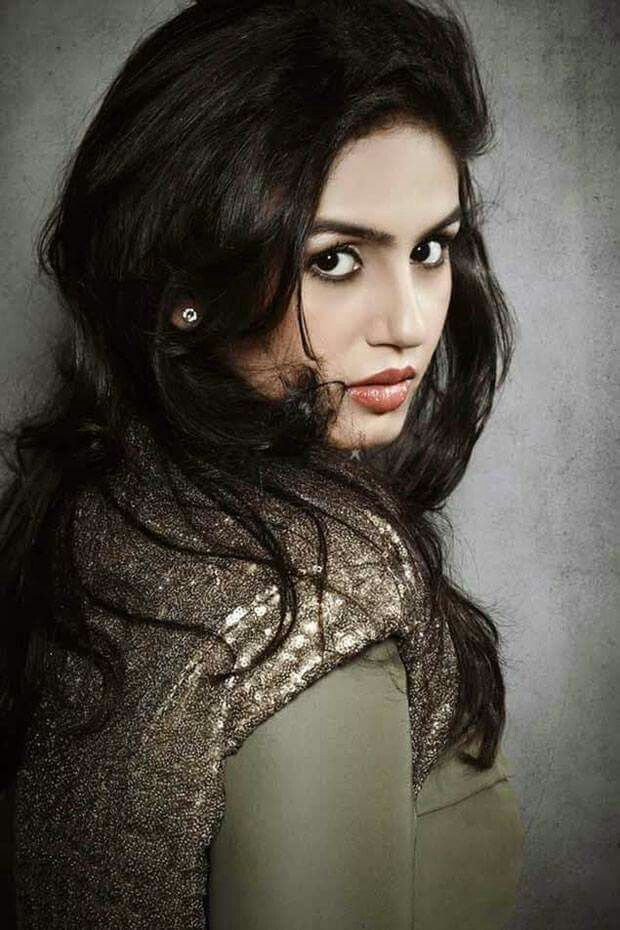 Gorgeous Huma Qureshi <3