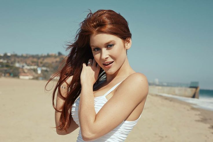 Pin By John Bauserman On Beautiful Renee Olstead Renee Olstead American Actress Singer