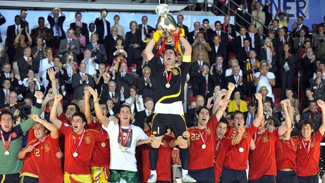"""#uefaeuro2012 - The big picture: UEFA EURO 2008  In a special video piece we look back at UEFA EURO 2008 with some of the finals' key figures – as coach Vicente del Bosque reflects on Spain's """"great breakthrough"""" under Luis Aragonés."""