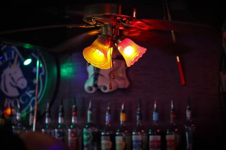 The Grapevine Bar | The 21 Best Happy Hours in Dallas
