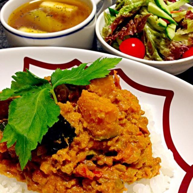 …生姜•玉ねぎ•ひき肉•かぼちゃを炒めてトマトホール•水•プレーンヨーグルトで煮込む サラダ…サニーレタス•きゅうり•ミニトマト スープ…ネギをこんがり焼いてコンソメスープに いただきます 2013.10.05(土)夕飯 - 152件のもぐもぐ - かぼちゃのキーマカレー・サラダ・ネギのコンソメスープ by masumi0706
