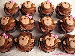 Monkey Cupcakes... if you love me, you'll make these for my birthday. If I don't get these, I'll know why! I'm telling you now so you have plenty of time to practice (and I'm willing to help taste test!)