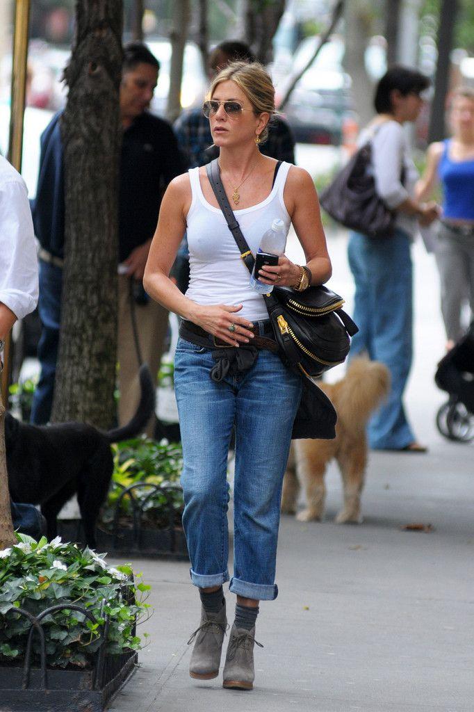 More Pics of Jennifer Aniston Boyfriend Jeans
