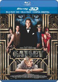 Adaptación de la novela homónima de F. Scott Fitzgerald. En la alta sociedad norteamericana, llama la atención la presencia de Gatsby, un hombre misterioso e inmensamente rico, al que todos consideran un advenedizo, lo que no impide que acudan a sus fastuosas fi estas. Gatsby vive obsesionado con la idea de recuperar al amor de su juventud.