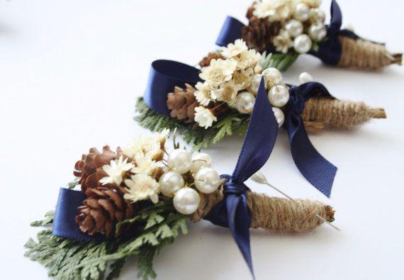 Rustic Boutonniere Winter boutonniere Woodland wedding boutonniere Groomsmen buttonhole flower pinecone boutonniere christmas wedding ELVES